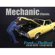 AD-38279 1:24 Mechanic Classic - Frank Under the Hood