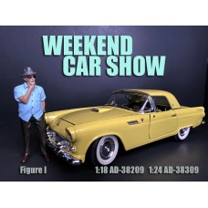 AD-38309 1:24 Weekend Car Show Figure I