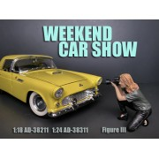 AD-38211 1:18 Weekend Car Show Figure III