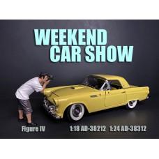 AD-38212 1:18 Weekend Car Show Figure IV