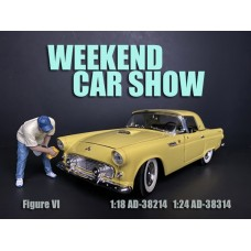 AD-38314 1:24 Weekend Car Show Figure VI