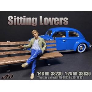 AD-38230 1:18 Sitting Lovers - Figure I