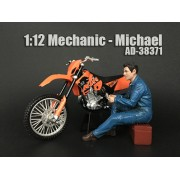 AD-38371 Mechanic - Michael
